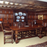 An OAK panelled room in Ross-on-Wye. Not only is the panelling made and installed by the old Bylaw team but so too is all the furniture.